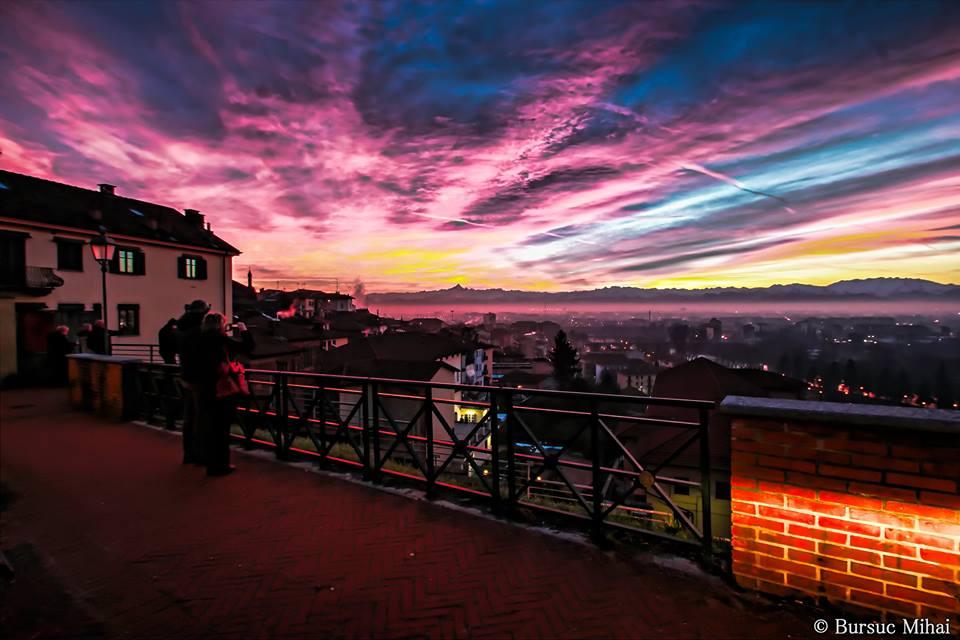 La magia del tramonto rosso su Torino