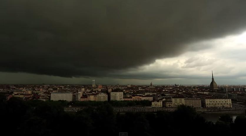 Ecco come diventa Torino quando piove (video)